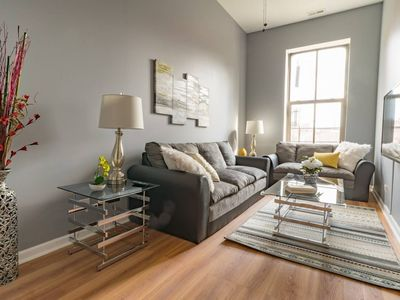 Photo for Flora 2 Bed Heart of Pilsen | Stratus by Cloud9