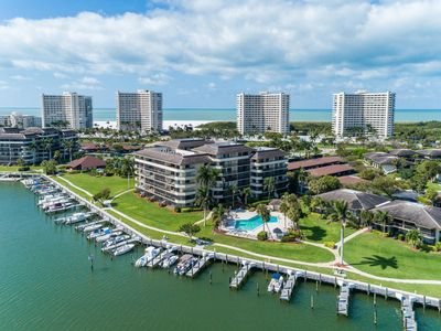 Photo for 2 Bed 2 Bath Condo located in Popular South  to the Beach!!