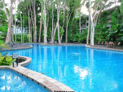 Photo for Lxry 2 bed Apt 2 steps to pool-2 mins to the beach