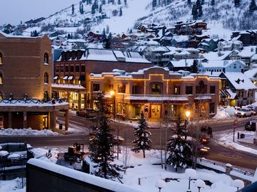 Marriott Summit Watch, March 4-10, 2018. Ski in/out to Park CIty. $350/night