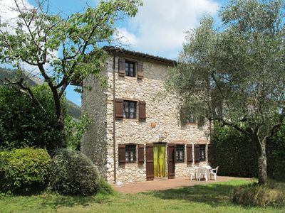 Photo for 4 bedroom Villa, sleeps 8 in Il Prato with WiFi