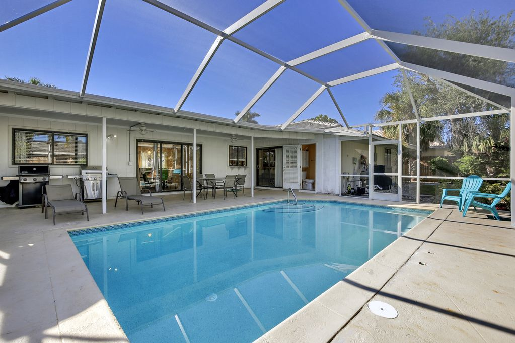 5 min Walk to JW Marriott & Beach! Saler Heated Pool, Budget ...  Bed Bath Inexpensive Beach House Plans on best 3 bedroom house plans, 2 story 3 car garage house plans, 4 bed 4 bath house plans, bathroom house plans, 20 bedroom house plans, bath house floor plans, complete house plans, 5 bed 4 bath house plans, 3 bed 2.5 house plans, small country home house plans, 1 bed house plans, 2015 house plans, 2 bedroom starter home plans, 3 bedroomed house plans, 2 room house plans, 3 bedroom 1 bath plans, 1600 sq ft. house plans, small 3 bedroom house floor plans, new 4 bedroom home plans, two bedroom house plans,