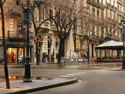 Photo for Apartment for groups in the center of Barcelona near Paseo de Gràcia