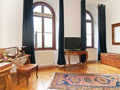 Photo for One bedroom Apartment, sleeps 4 with FREE WiFi and Walk to Shops