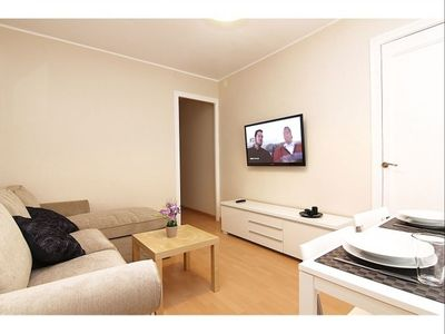 Photo for Camp Nou I apartment in Les Corts with WiFi, air conditioning, balcony & lift.