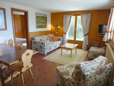 Photo for Flat to rent in a chalet situated close to the forest and Médran's lift.