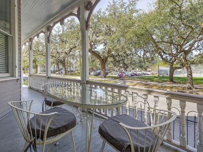 ParkView B Porch with Amazing Park Views of beautiful Forsyth Park