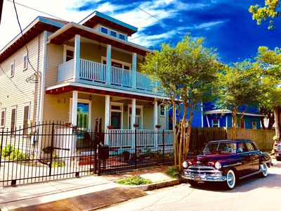 Delightful, Relaxing, Restored Historic Apartment in Montrose section of Houston