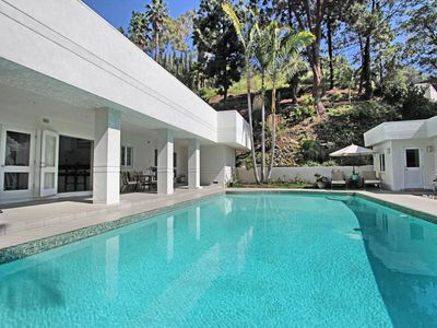 Photo for A beautiful, spacious & bright home located in desirable Beverly Hills (veeve)