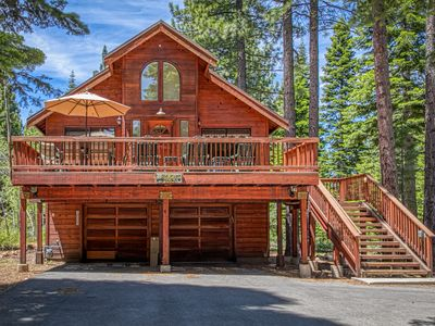 Photo for NEW LISTING! Dog-friendly getaway w/ private hot tub, shared pool & game room!