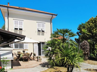 Photo for Vacation home Villa Gorleri  in Diano Marina - Gorleri, Liguria: Riviera Ponente - 7 persons, 4 bedrooms