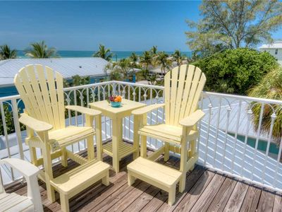 1 Minute Walk to the Gulf Beaches - Private Heated Pool - Perfect for Winter!