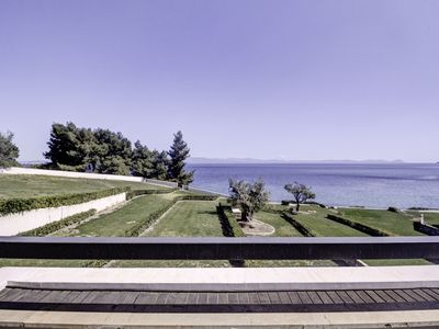 Photo for Luxurious maisonette with a garden, in front of an amazing beach