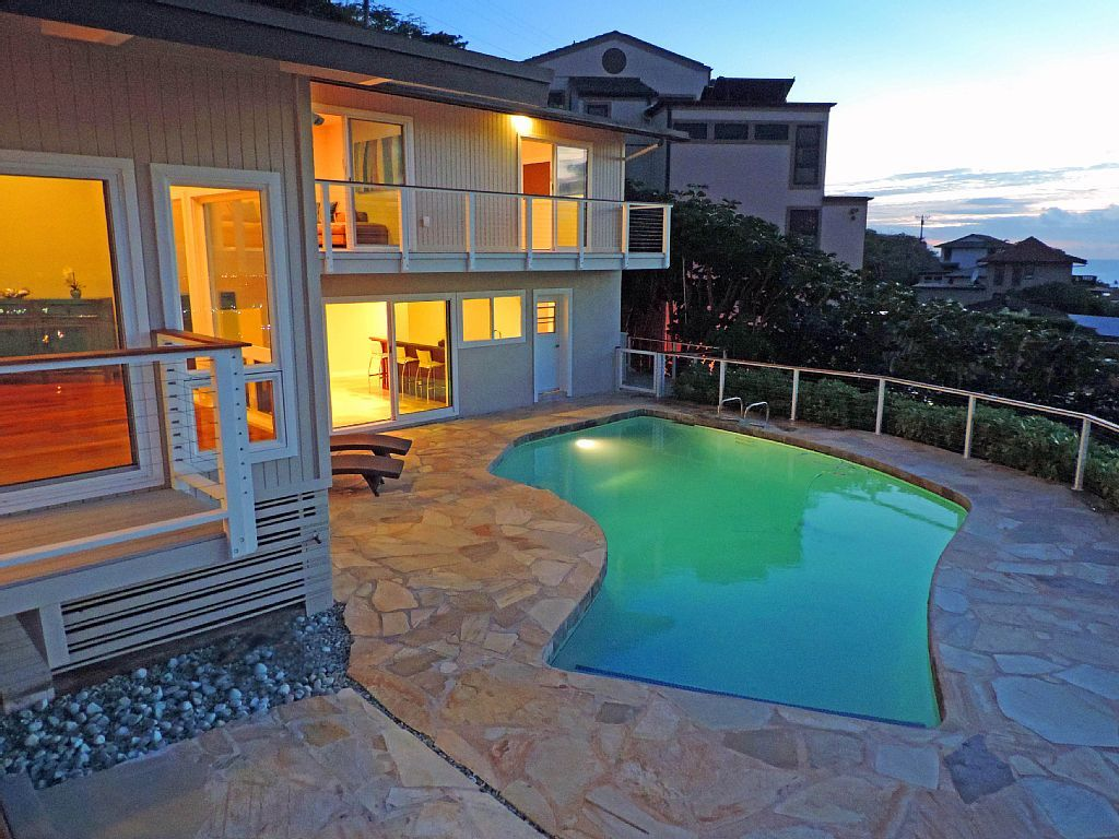 Panoramic ocean views 5 star renter reviews hawaii kai for How much to build a house in hawaii