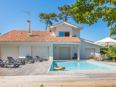 Photo for Luxury villa with a private pool located 400m from the beach