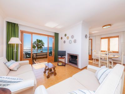 Photo for Central Apartment at the Beach Promenade with Wi-Fi and Sea View