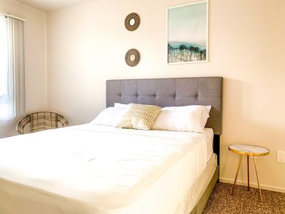 Photo for 2 BDR in Heart of Gaslamp w/free Pkg