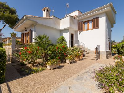 Photo for Can Pinar - Large villa for 8 people very close to the beach of Port d'Alcúdia