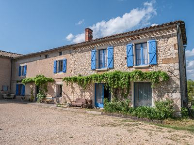 Photo for Large eco-friendly cottage with pool, near Cordes sur ciel, Albi, Gaillac