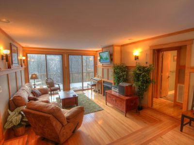 Photo for 4BR/3BA Chalet on Beech Mountain, Hot Tub, Pool Table, Close to Ski Slopes