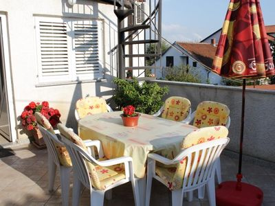 Photo for Two bedroom apartment with terrace Tar (Poreč)