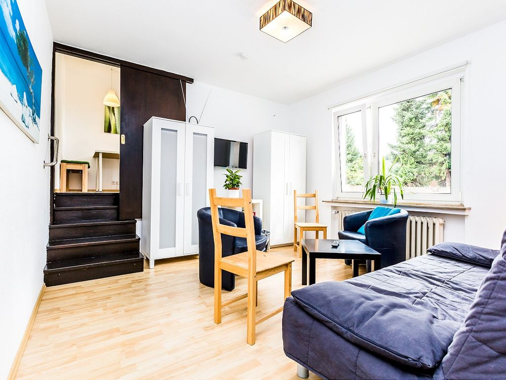 spacious apartment for 6 people in Cologne Weidenpesch