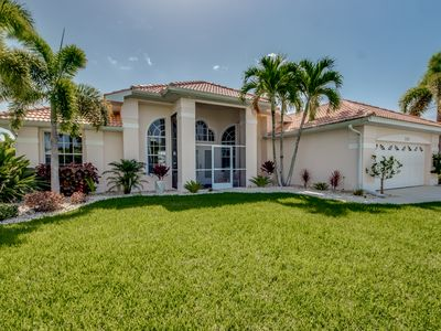 Photo for Villa Eyleen: New Refurbished Luxury Villa SW in quiet Surfside Blvd area