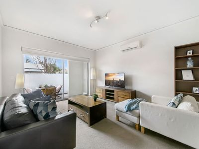 Photo for 2BR Apartment Vacation Rental in Collingwood, VIC