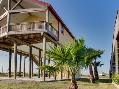 Photo for Dog-friendly Galveston Island getaway w/ ocean views, walking distance to beach