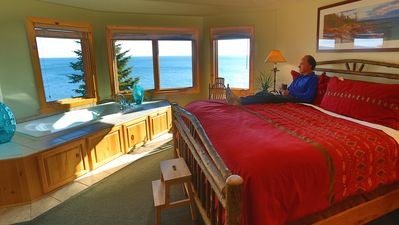 Photo for Luxury ON Lake Superior's edge*Panoramic View*Split Rock Lighthouse