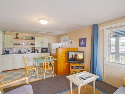 General Warren condo - Sink Into This Condo For a Stay!