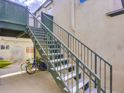 1 Bedroom Condo, Private Patio with Bbq Grill Steps from Bay