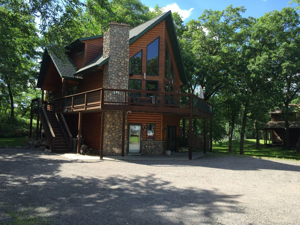for mn lakeside cheap minnesota shore homes cabin vacation north rent cabins lake in duluth rental