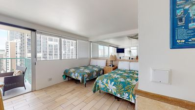 Photo for Remodeled Waikiki retreat w/ shared pool, sundeck & gym - walk everywhere!