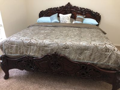 Photo for 2 private room 1 1/2 bathroom 5 miles from IAH airport ( bush)