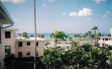 Ocean View Rooftop Patio with 2 Bedrooms in Gulf Winds,  St Pete Beach