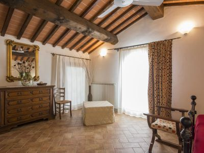 Photo for Apartment Spazzavento in Vinci - 4 persons, 1 bedrooms