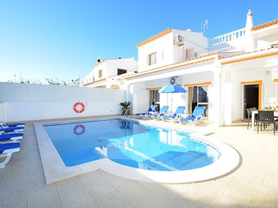 Photo for Villa Chiquito Albufeira Center-Private Pool Free WIFI