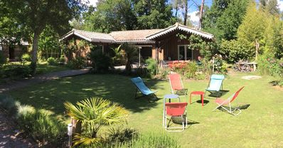 Photo for Typical 4 bedroom wooded villa in the heart of Arcachon Bay