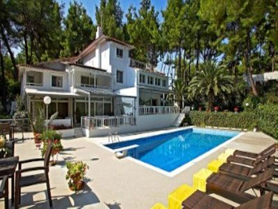 Photo for Luxurious villa for 10 people, with private swimming pool