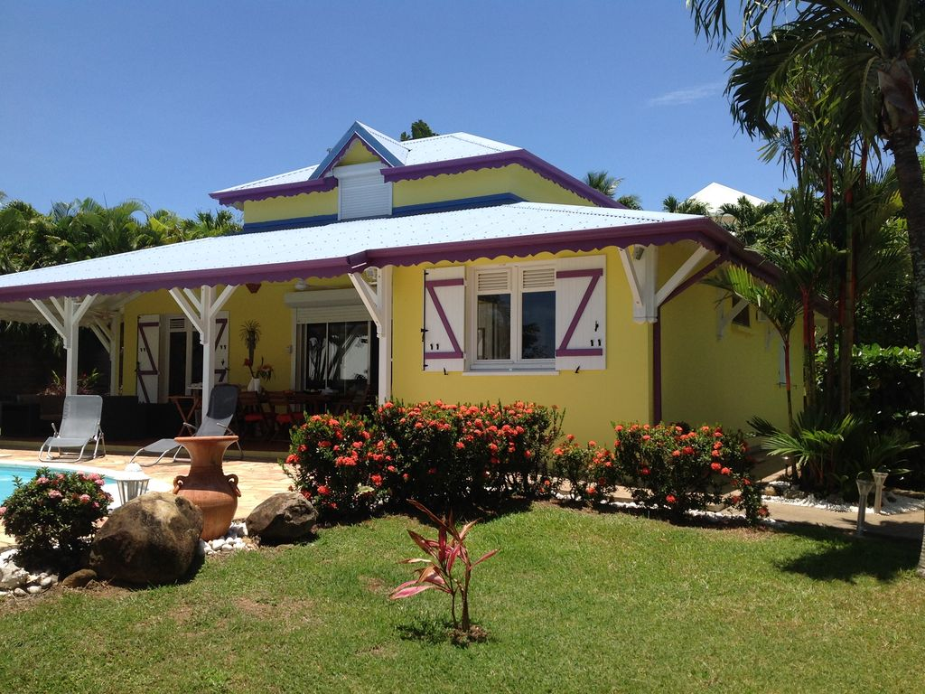 For rent very beautiful villa towards deshaies on basse terre in guadeloupe