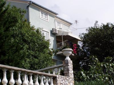Photo for Holiday apartment for 2-3 people on a slight mountain slope with stunning sea views