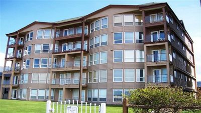 Photo for Oceanfront-2bed, 2bath Condo - 1 block to turnaround & downtown
