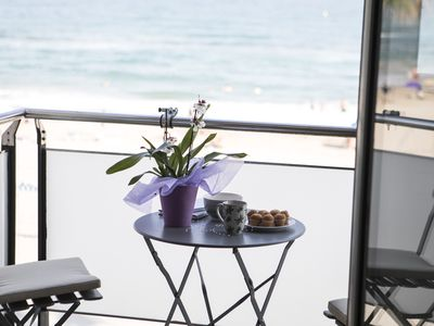 Photo for Apartment on the seafront with terrace to the sea
