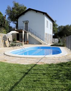 Photo for Detached house, with swimming pool, open view, barbecue and private parking.