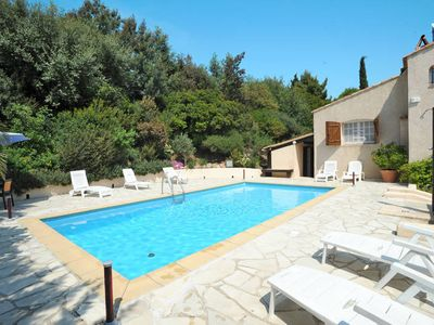 Photo for Vacation home Paulinette  in Saint Aygulf, Côte d'Azur - 8 persons, 4 bedrooms