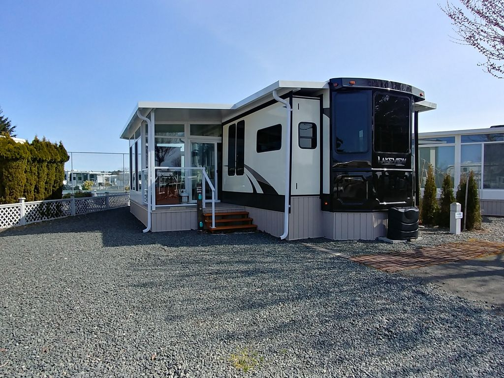 beautiful new 1 bedroom park model trailer vrbo 10006 | 235f0a49 754a 47d5 9b01 a809877dd811 c10