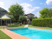 Beautiful villa - superb garden / pool / terraces