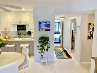 Very bright, modern, clean and dynamic living and dining space
