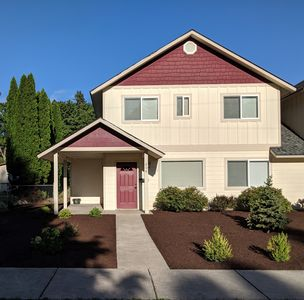 Photo for Cozy townhouse 6 blocks from downtown Sandpoint. Quiet, friendly neighborhood.
